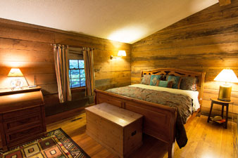 Pilot mountain north carolina bed and breakfast inn for Honeymoon suites in north carolina